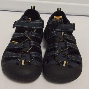 Keen Sandal Boy Toddler Size 11 EUC